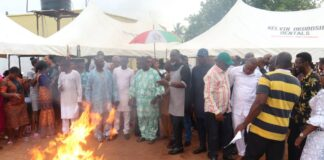 Dramatic! Decamping APC Members In Delta Burn Brooms As They Join PDP