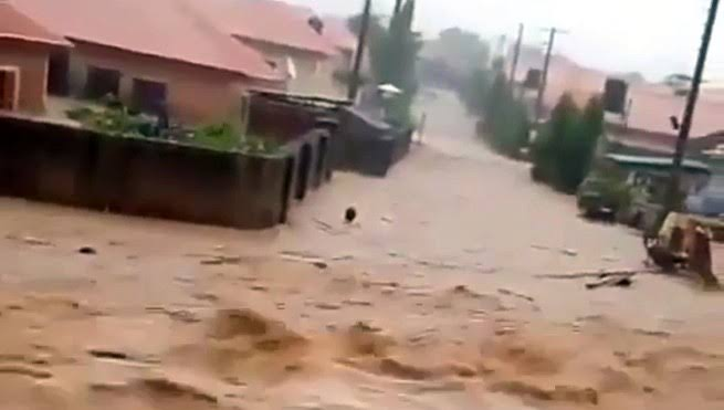 Four Dead, 26 Vehicles Washed Away As Flood Ravage Trademoore Estate, Abuja