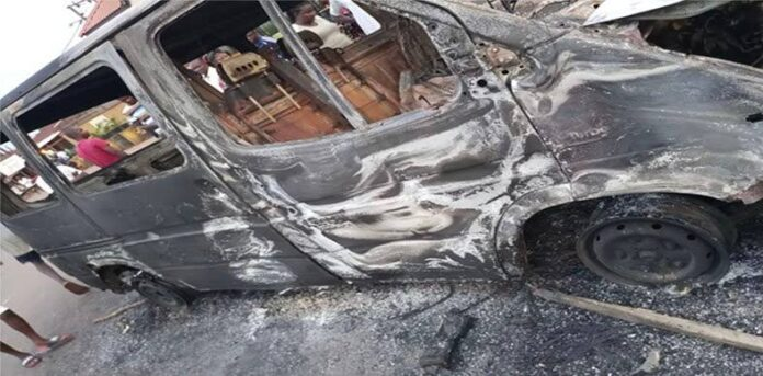 Hoodlums Burn Bus, Destroy Tricycles For Disobeying IPOB Sit-At-Home Order In Enugu
