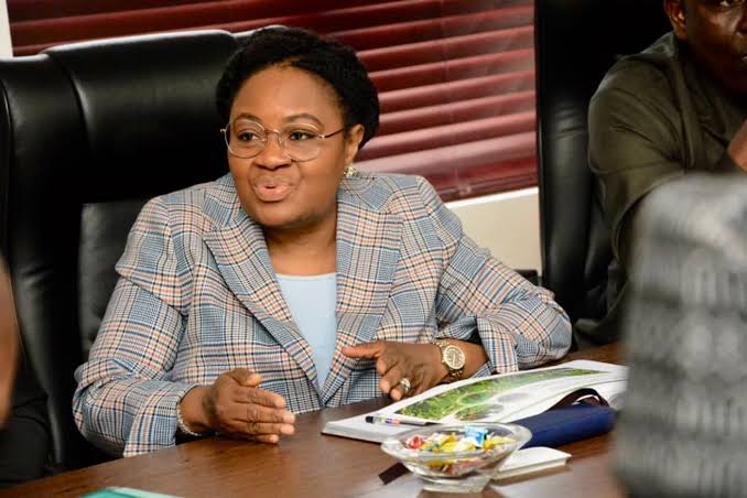 Unity Bank Embroiled In Another Scandal, As Civil Servants Shut Down Operations Over Diversion Of Funds (Photos)